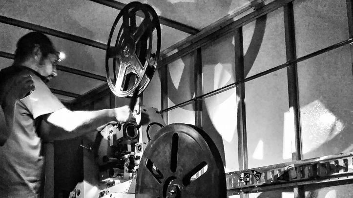 proyector-de-cine-lavapies